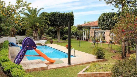 4 bedrooms villa for sale in Malaga