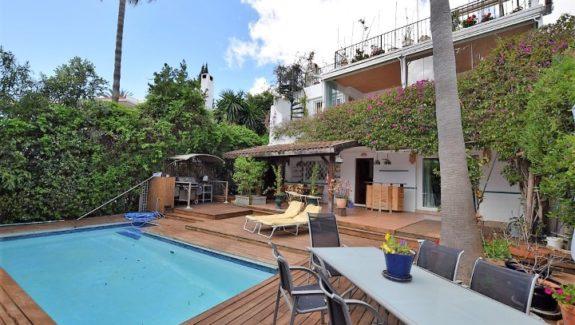 4 bedrooms villa for sale in Marbella